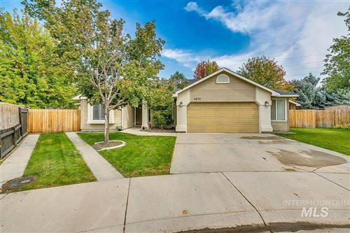 Photo of 4875 W Tournament Dr, Meridian, ID 83646 (MLS # 98782189)