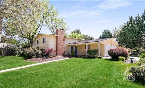 Photo of 4926 N Sorrento Drive, Boise, ID 83704 (MLS # 98802193)