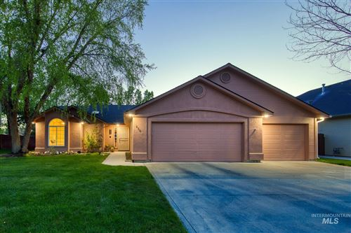 Photo of 819 Silver Bow Ave, Eagle, ID 83616 (MLS # 98803197)
