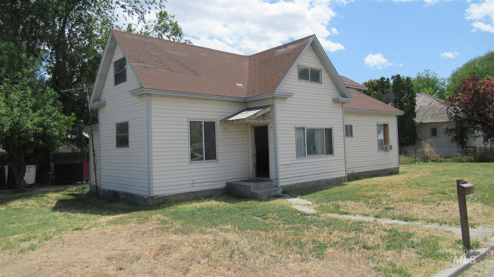 Photo of 414 W Main, Vale, OR 97918 (MLS # 98807205)