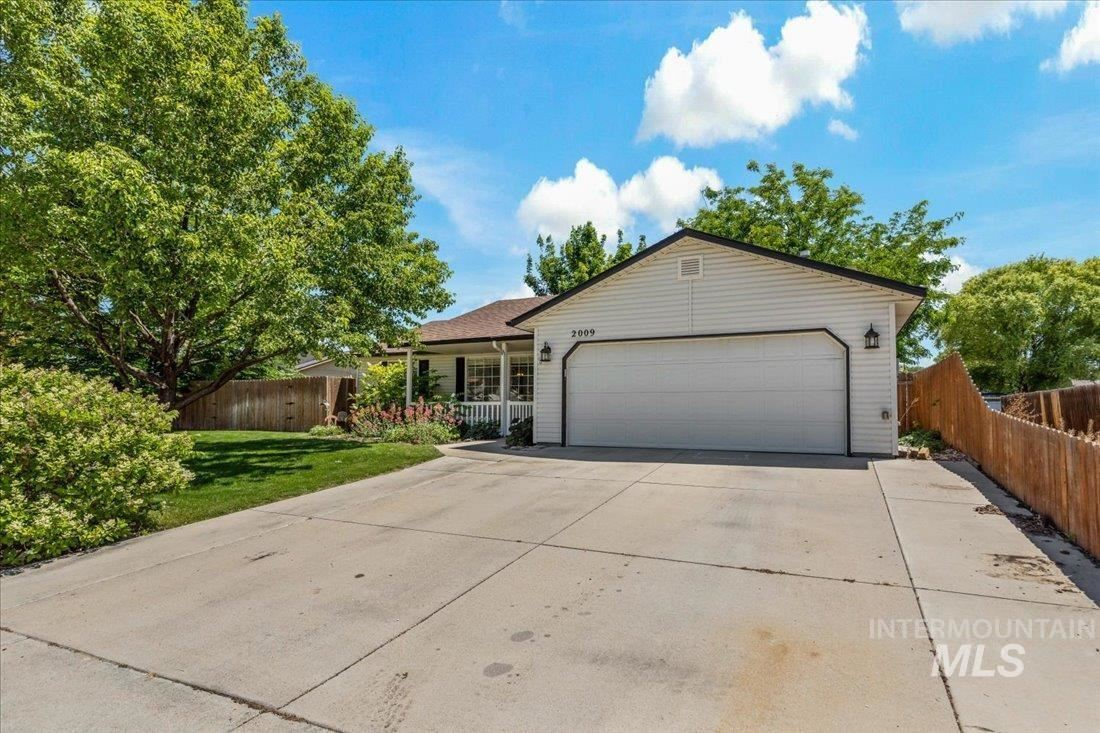 Photo of 2009 Wildflower Dr., Nampa, ID 83686 (MLS # 98807209)