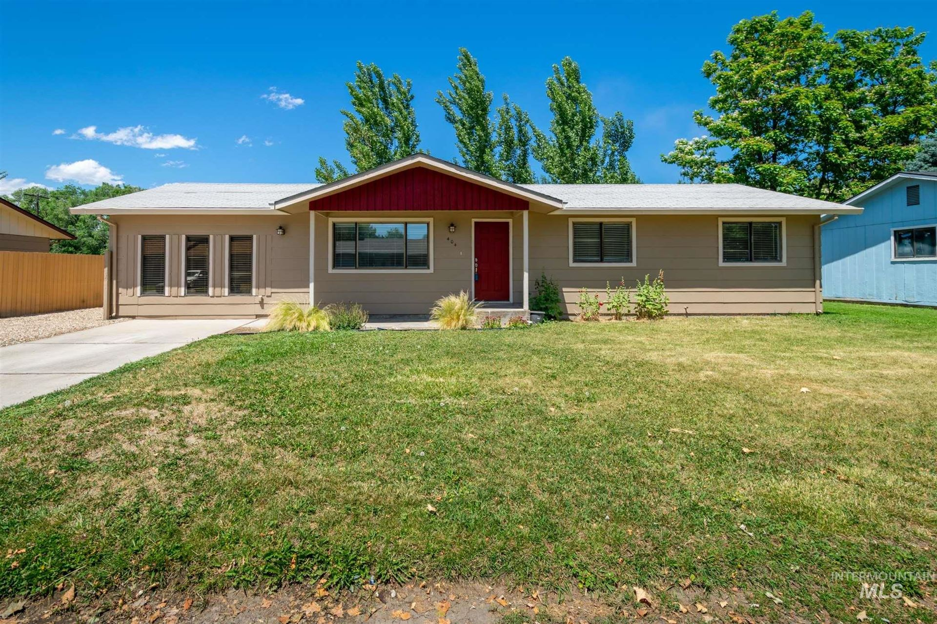 Photo of 404 W Colorado Ave, Homedale, ID 83628 (MLS # 98807217)