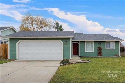 Photo of 705 E Willowbrook Dr, Meridian, ID 83646 (MLS # 98755223)