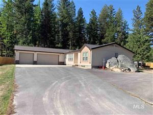 Photo of 1649 CROWN POINT PKWY, Cascade, ID 83611 (MLS # 98729233)