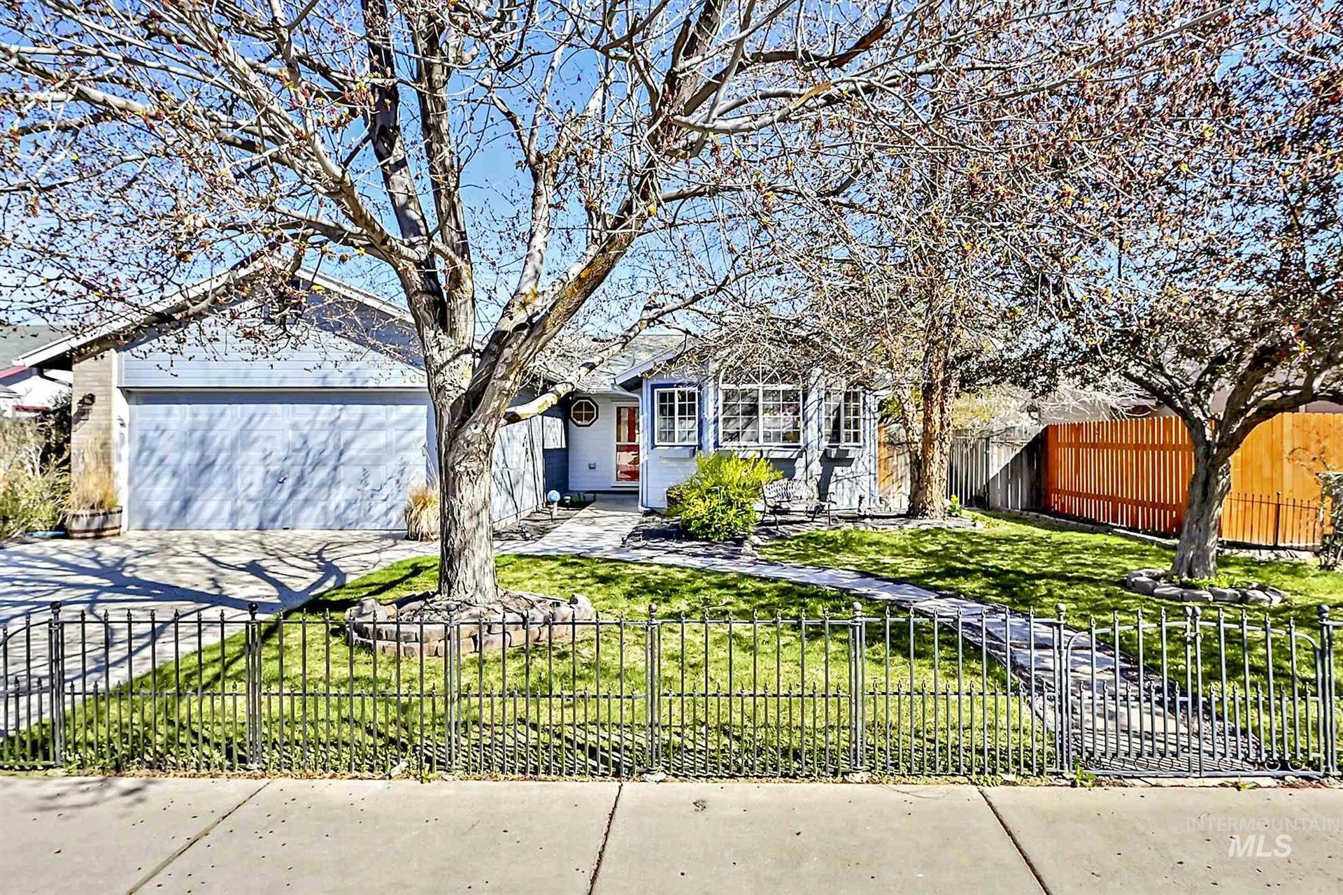 Photo of 7008 W Stratton, Boise, ID 83704-7464 (MLS # 98799239)