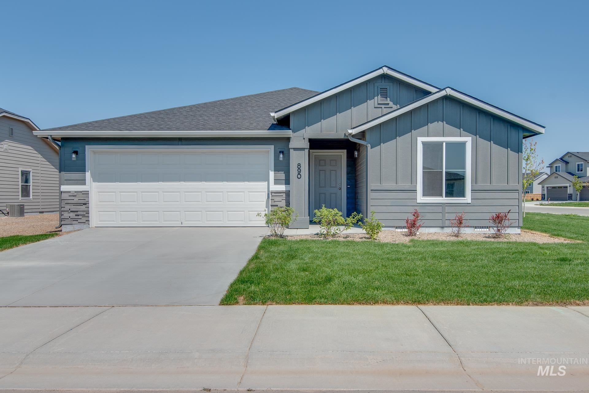 Photo of 890 SW Crested St, Mountain Home, ID 83647 (MLS # 98807245)