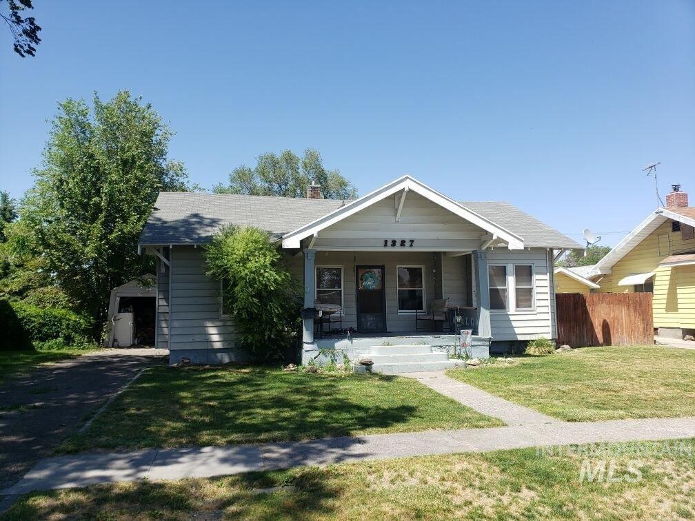Photo of 1327 6th Ave E, Twin Falls, ID 83301 (MLS # 98806246)