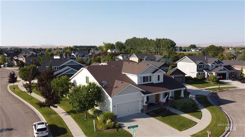 Photo of 4840 W Clear Field Ct, Eagle, ID 83616 (MLS # 98810252)