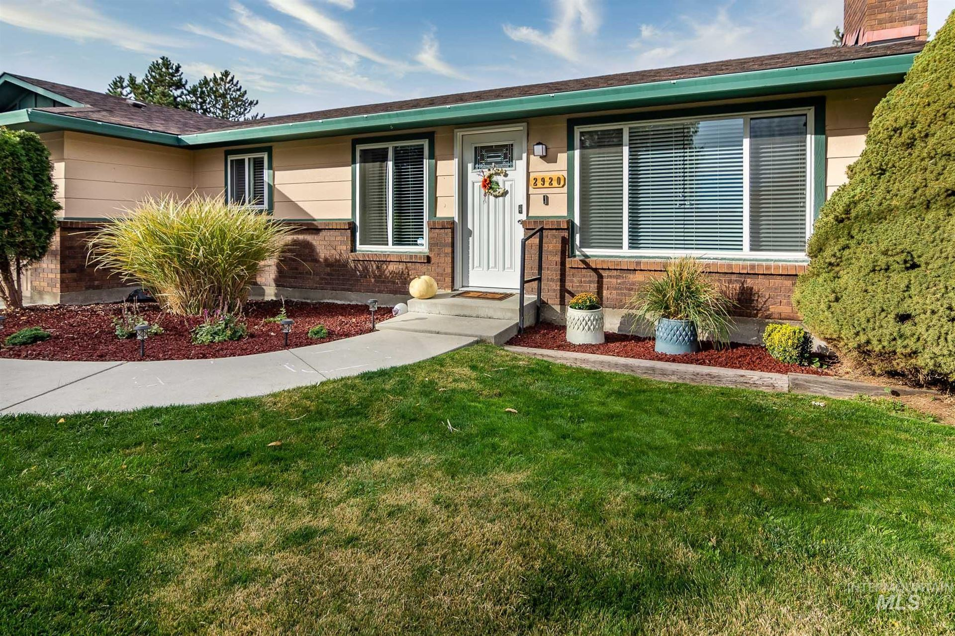 Photo of 2920 S 10th Ave, Caldwell, ID 83605 (MLS # 98823252)