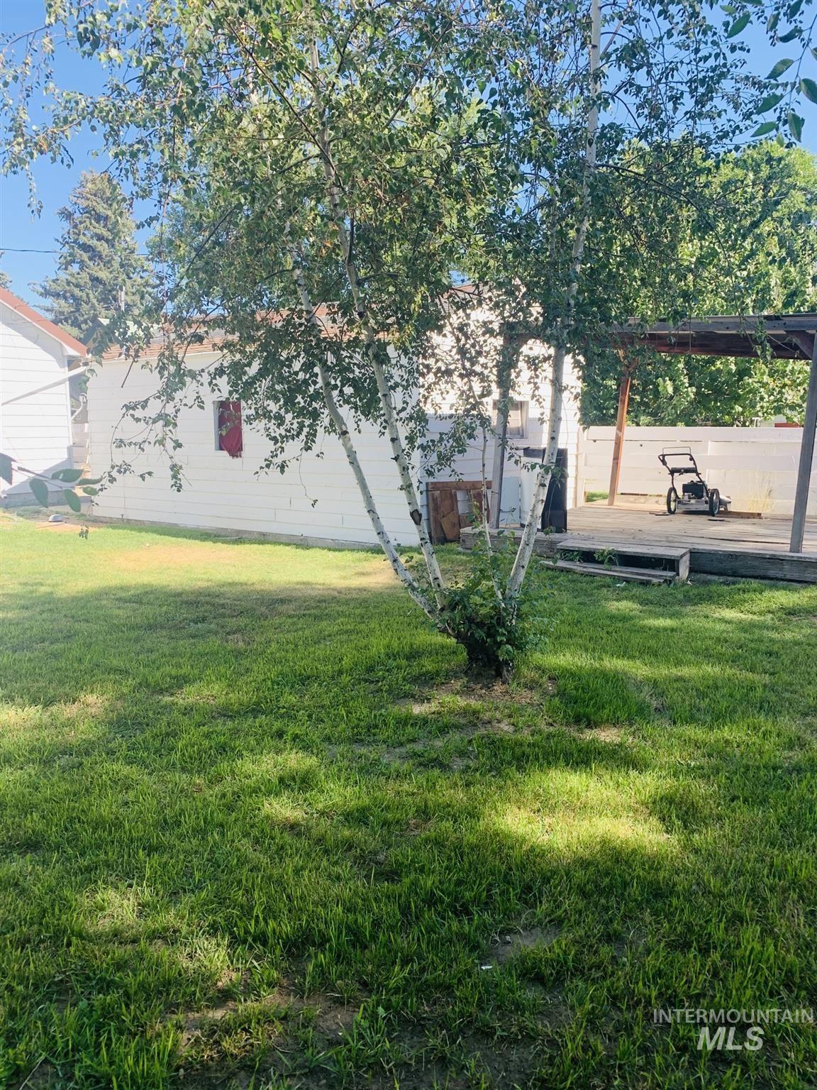 Photo of 813 Wyoming Street, Gooding, ID 83330 (MLS # 98774262)