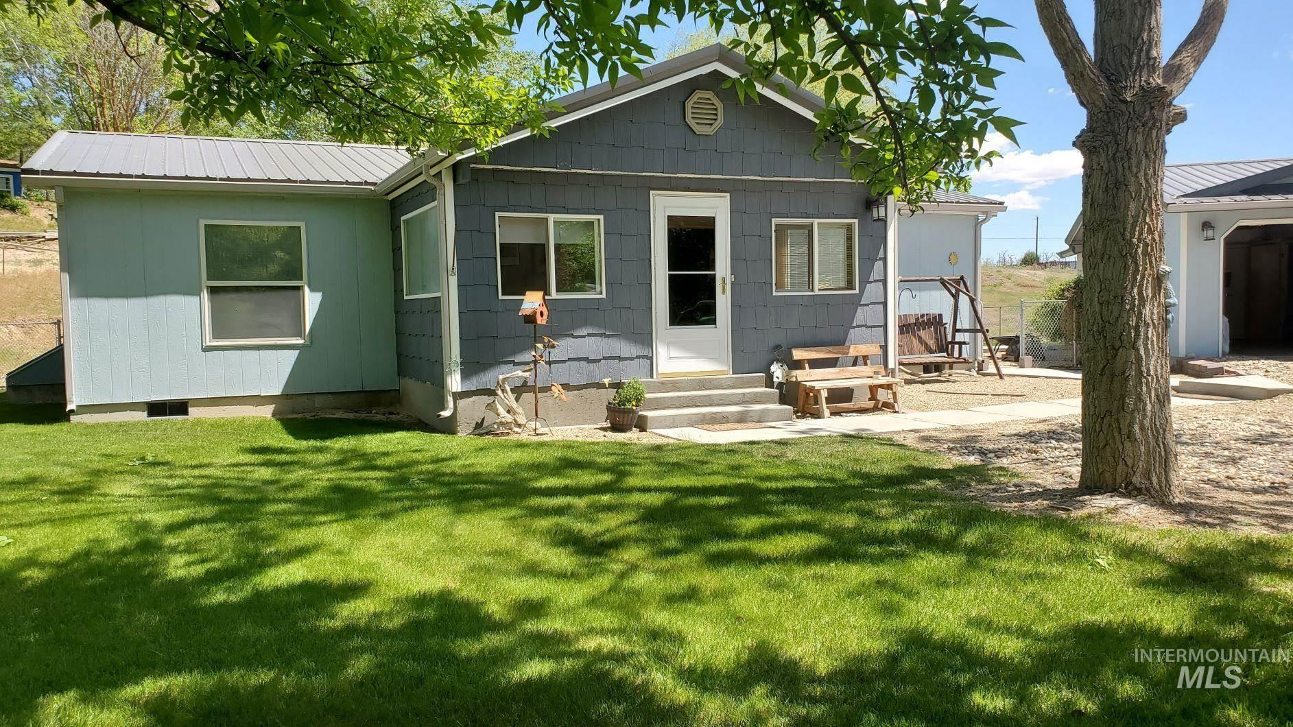 Photo of 10762 N River Rd, Payette, ID 83661-5061 (MLS # 98803265)