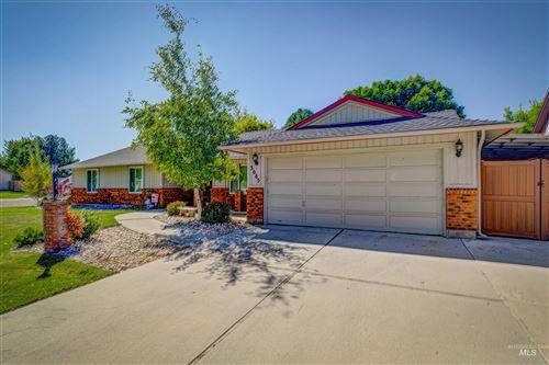 Photo of 3665 W Woodmont Drive, Meridian, ID 83646 (MLS # 98819272)