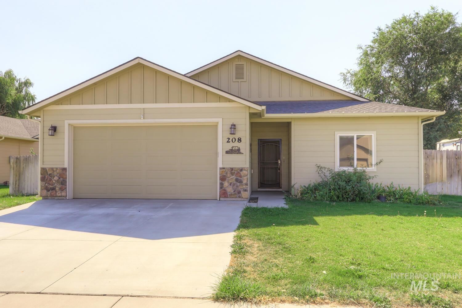 Photo of 208 Union Pacific, Homedale, ID 83628 (MLS # 98819282)
