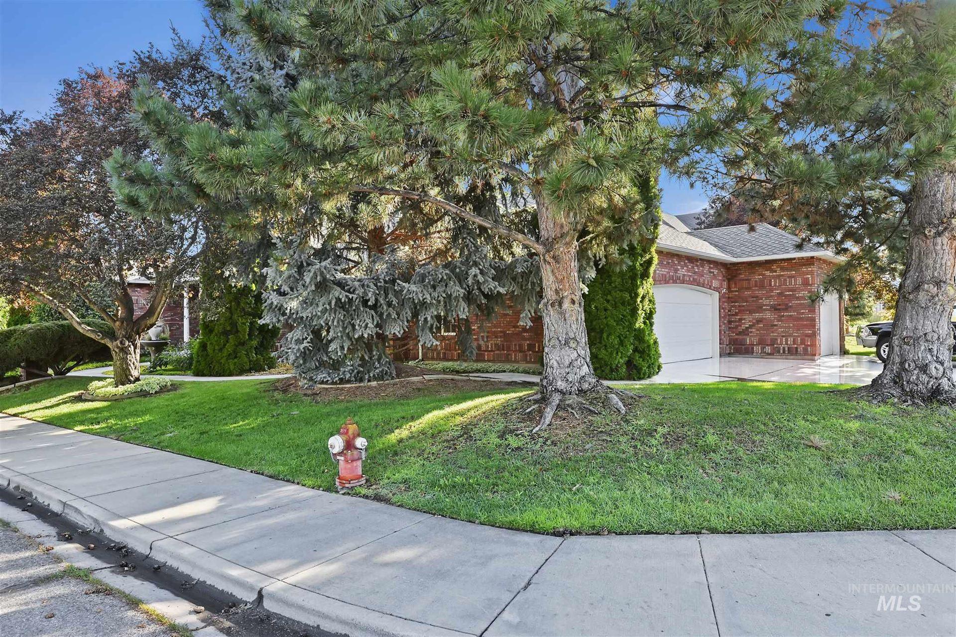 Photo of 4988 N Brookmeadow Dr, Boise, ID 83713 (MLS # 98776291)