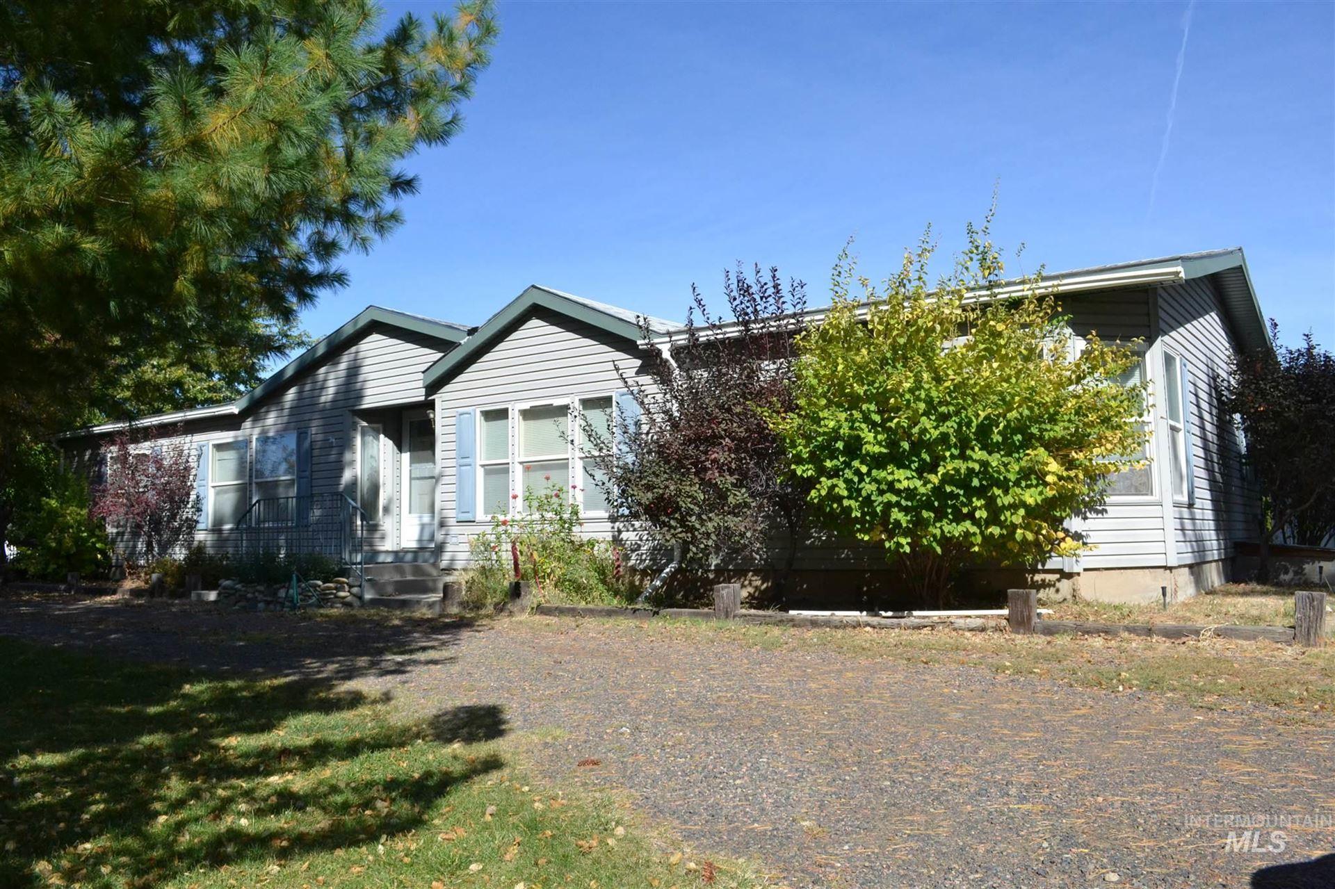 1940 W Idaho Blvd, Emmett, ID 83617 - MLS#: 98784297