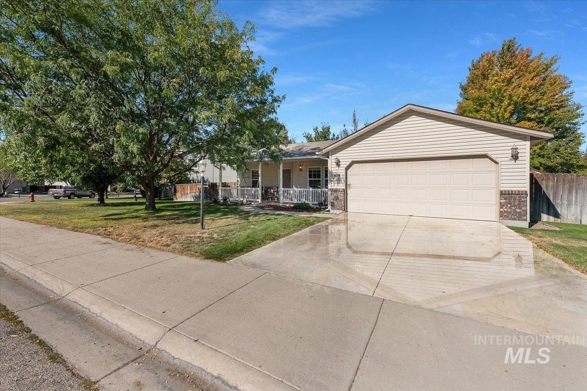 Photo of 678 N Mudstone Way, Kuna, ID 83634 (MLS # 98819304)