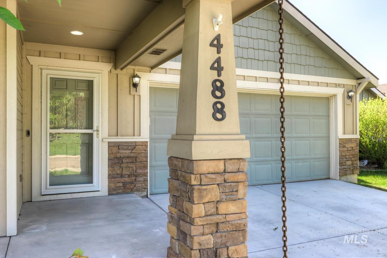 Photo of 4488 N Longabaugh Way, Meridian, ID 83646 (MLS # 98803318)