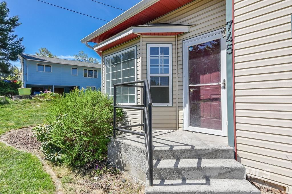 Photo of 745 N Lincoln, Moscow, ID 83843 (MLS # 98803322)