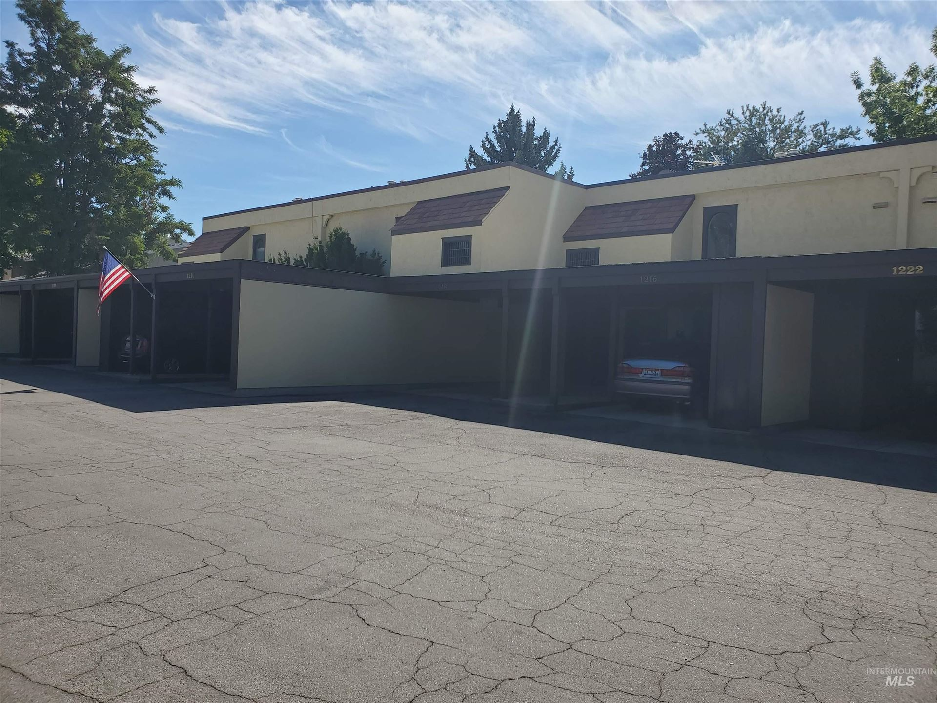 Photo of 1218 N Camelot Dr, Boise, ID 83704 (MLS # 98819325)