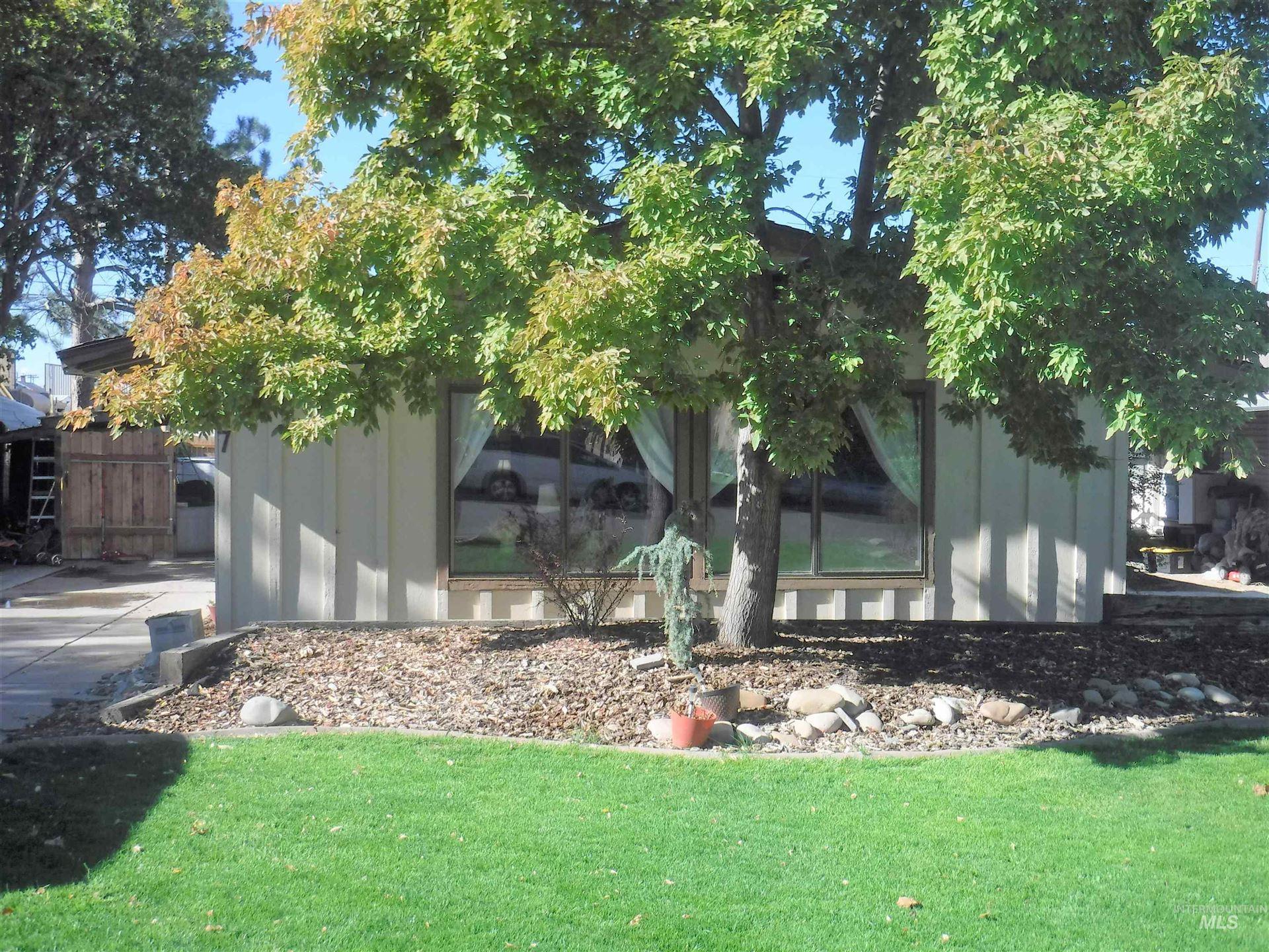 Photo of 117 14th Ave N, Buhl, ID 83316 (MLS # 98819330)