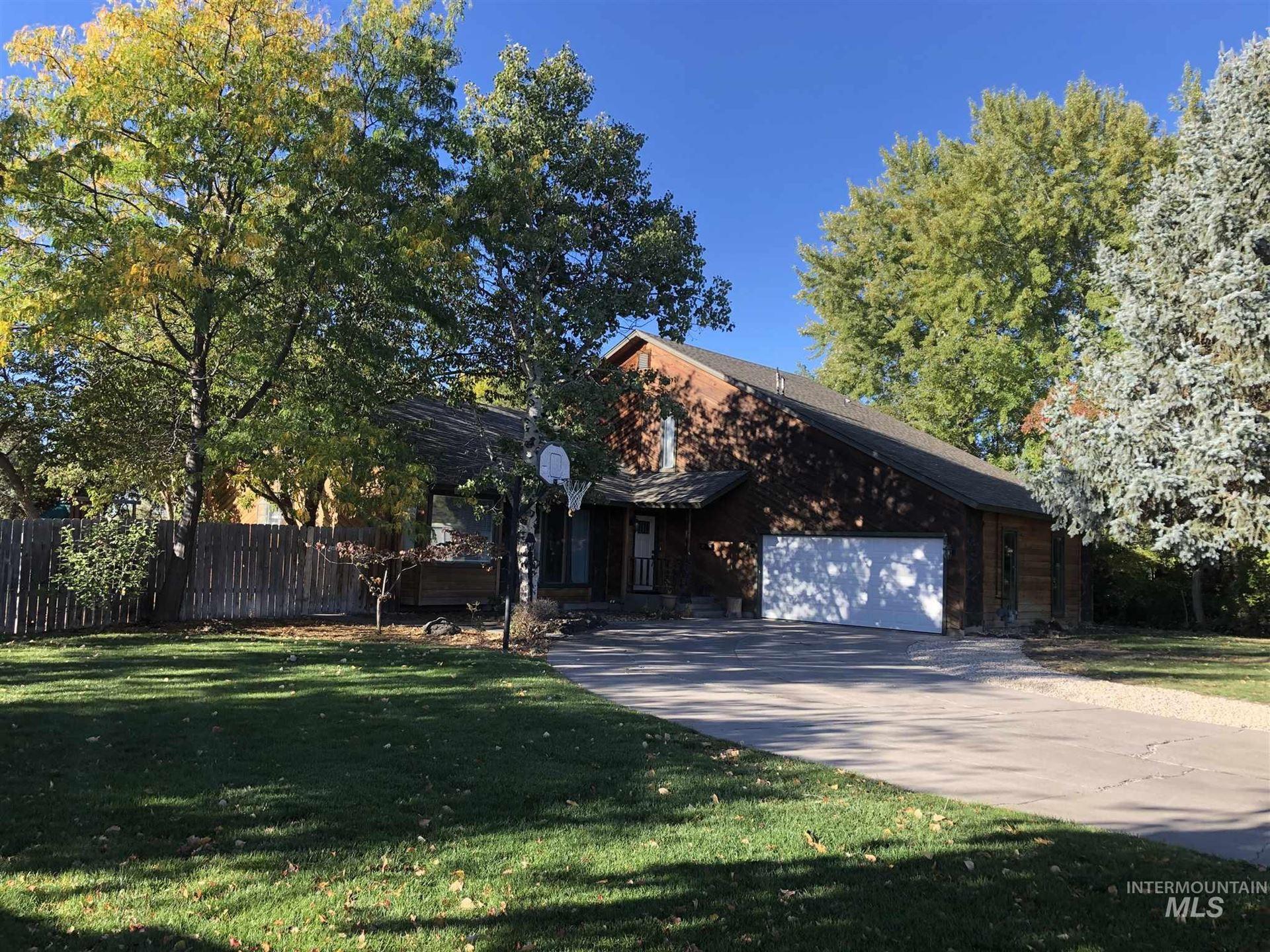 Photo of 435 E 16th N, Mountain Home, ID 83647 (MLS # 98784332)
