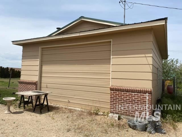 Photo of 416 W Homedale Rd, Caldwell, ID 83607 (MLS # 98803332)