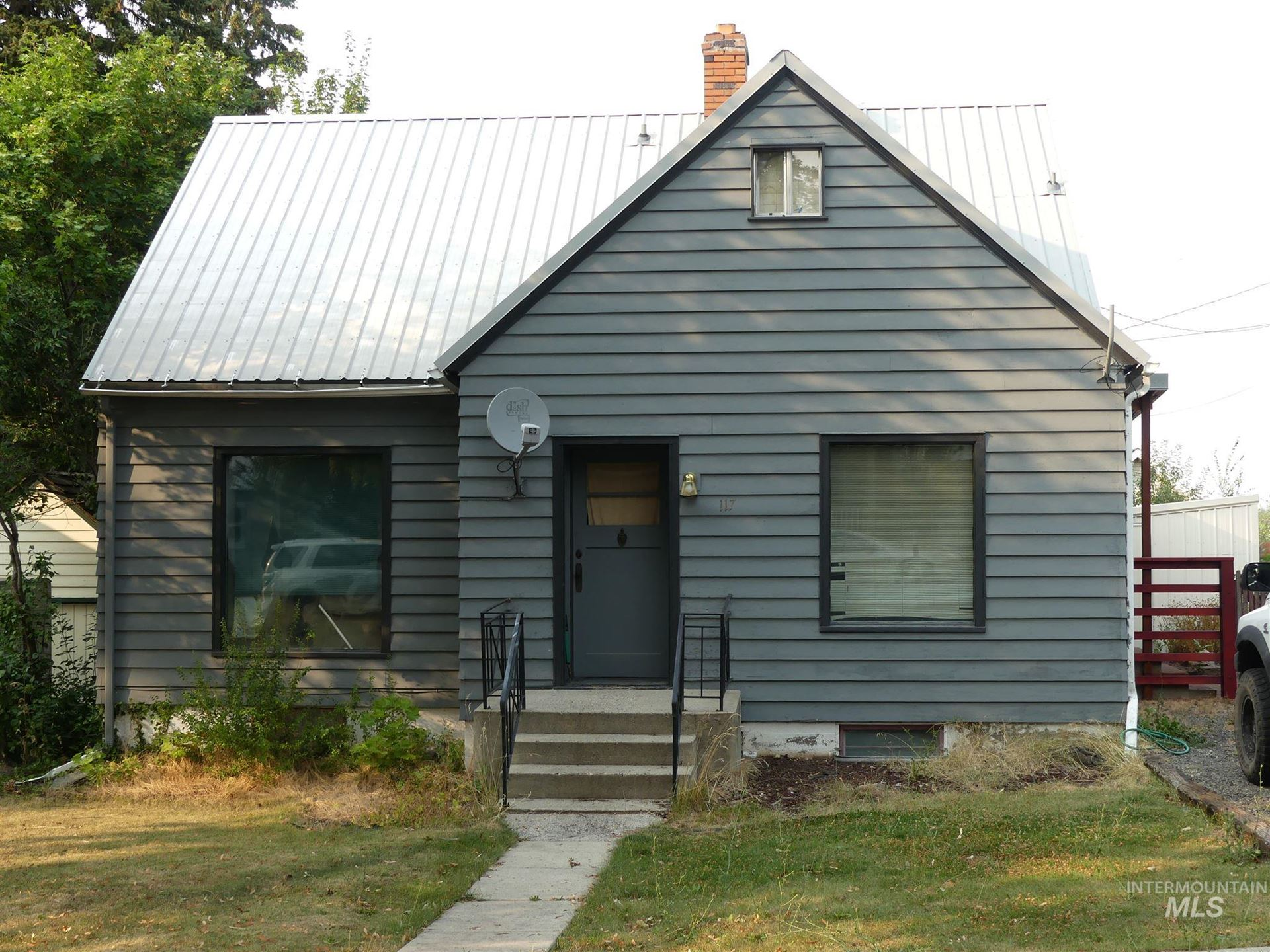 Photo of 117 E South 2nd Street, Grangeville, ID 83530 (MLS # 98778333)