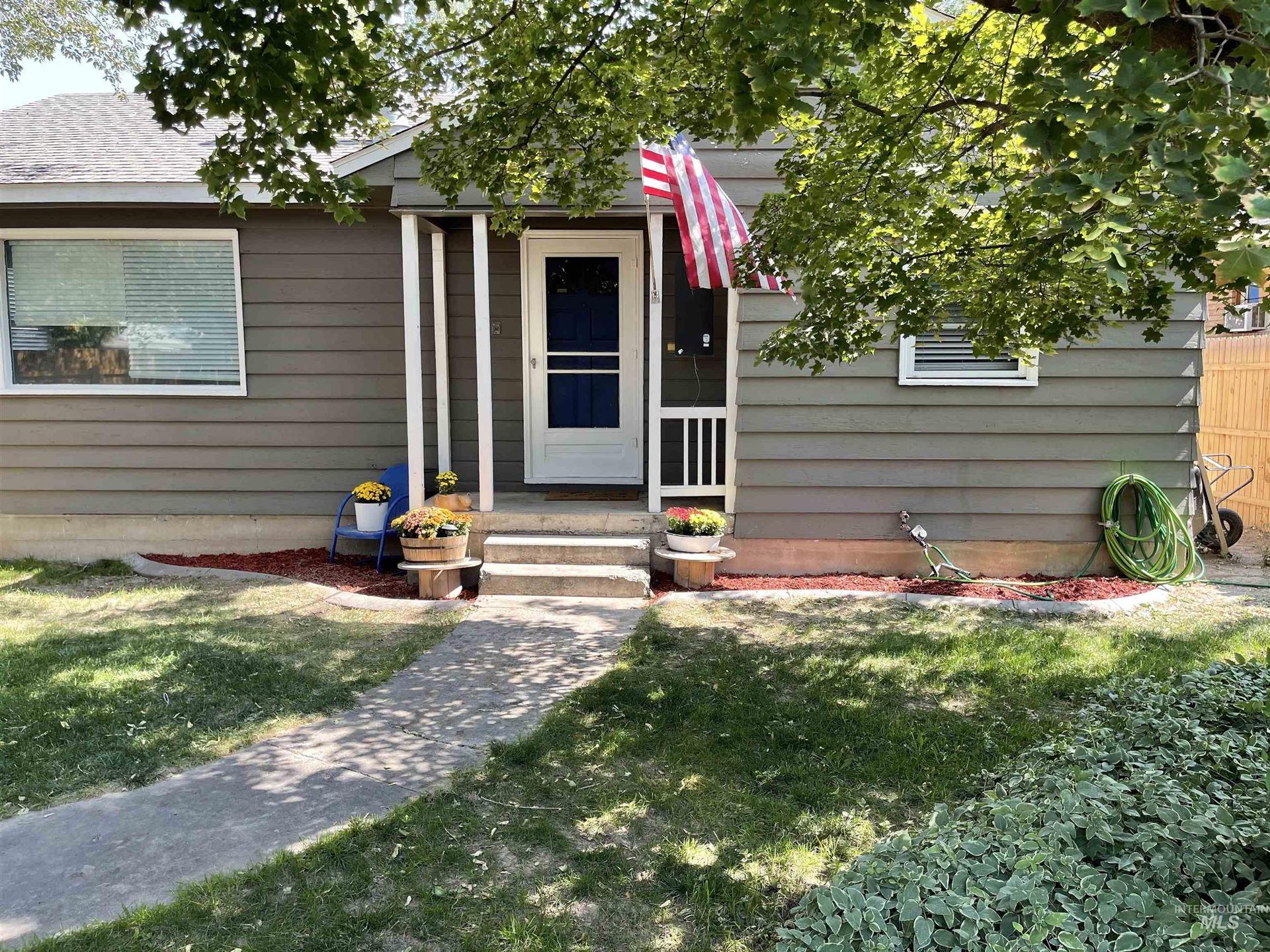 Photo of 336 Washington, Twin Falls, ID 83301 (MLS # 98819338)