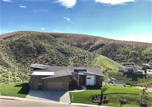 Photo of 4011 Eyrie Way, Boise, ID 83703 (MLS # 98726339)