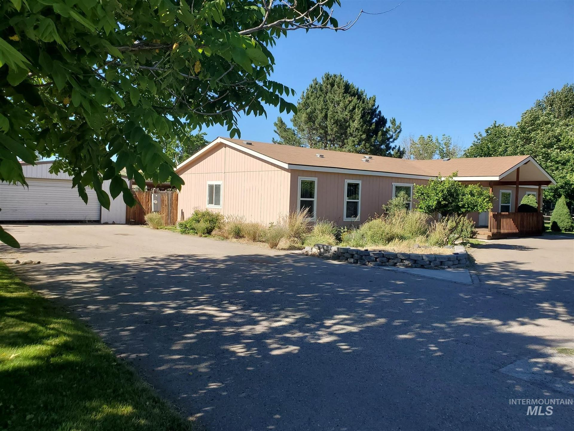 1008 E Cleveland Ave, Glenns Ferry, ID 83623 - MLS#: 98771345