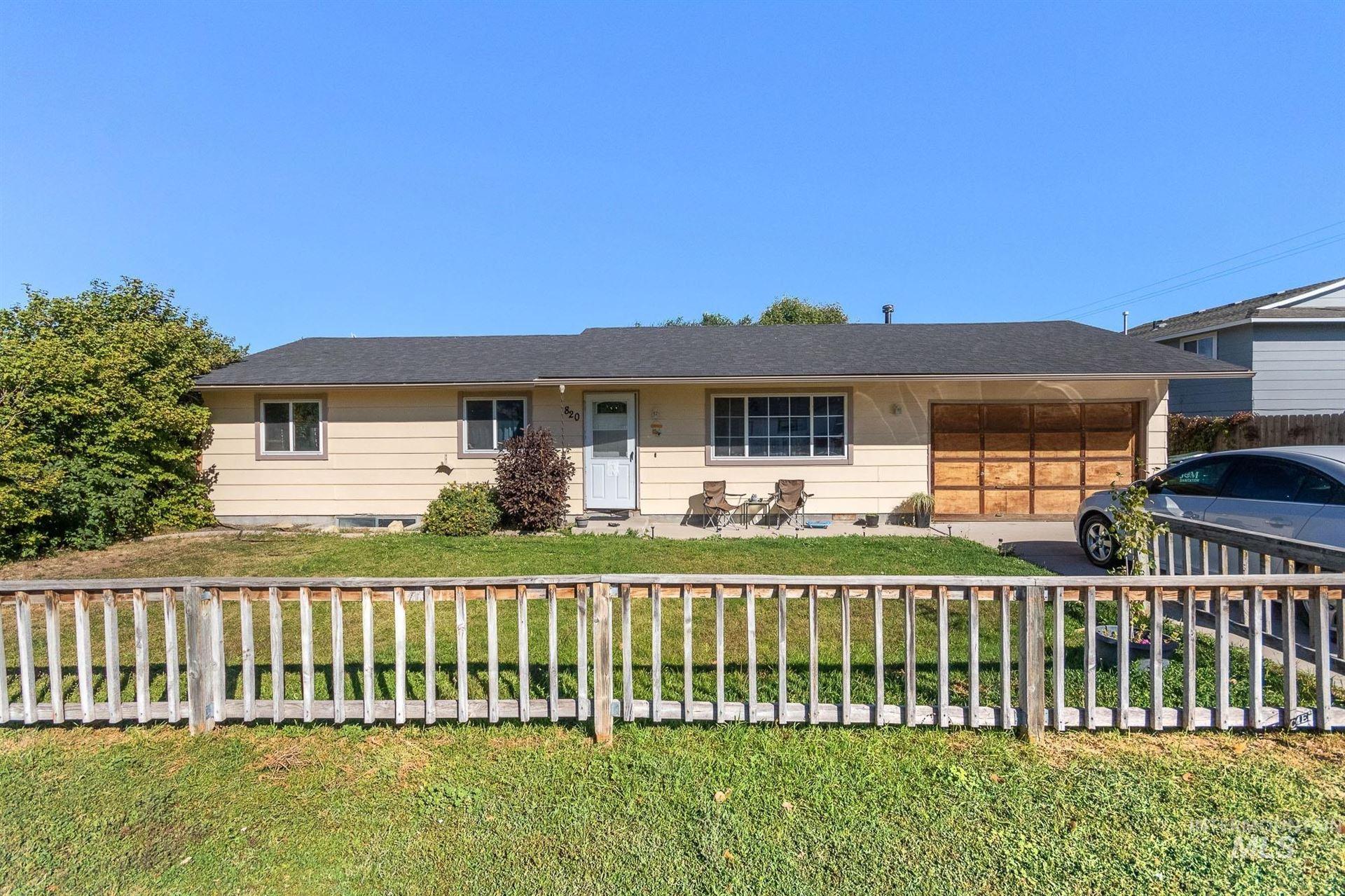 Photo of 820 N School Ave, Kuna, ID 83634-1810 (MLS # 98819350)