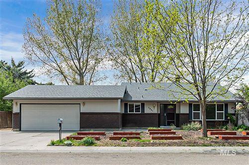 Photo of 3861 N PEPPERWOOD, Boise, ID 83704 (MLS # 98802352)