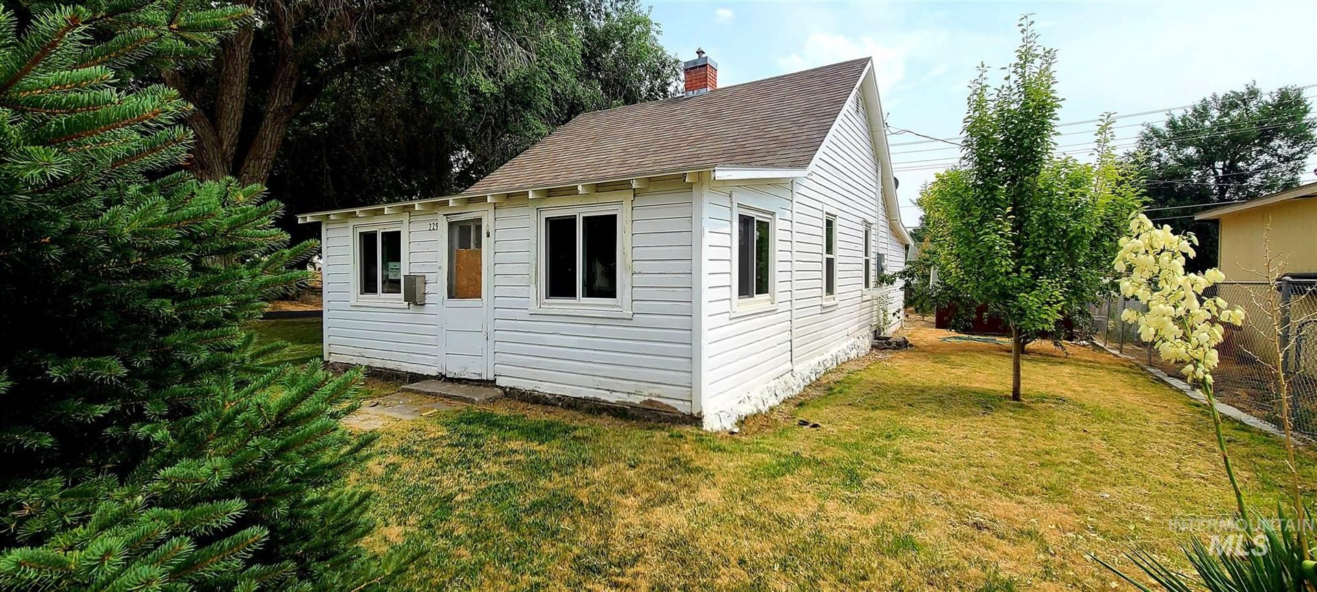 Photo of 229 E Ave F, Jerome, ID 83338 (MLS # 98811356)