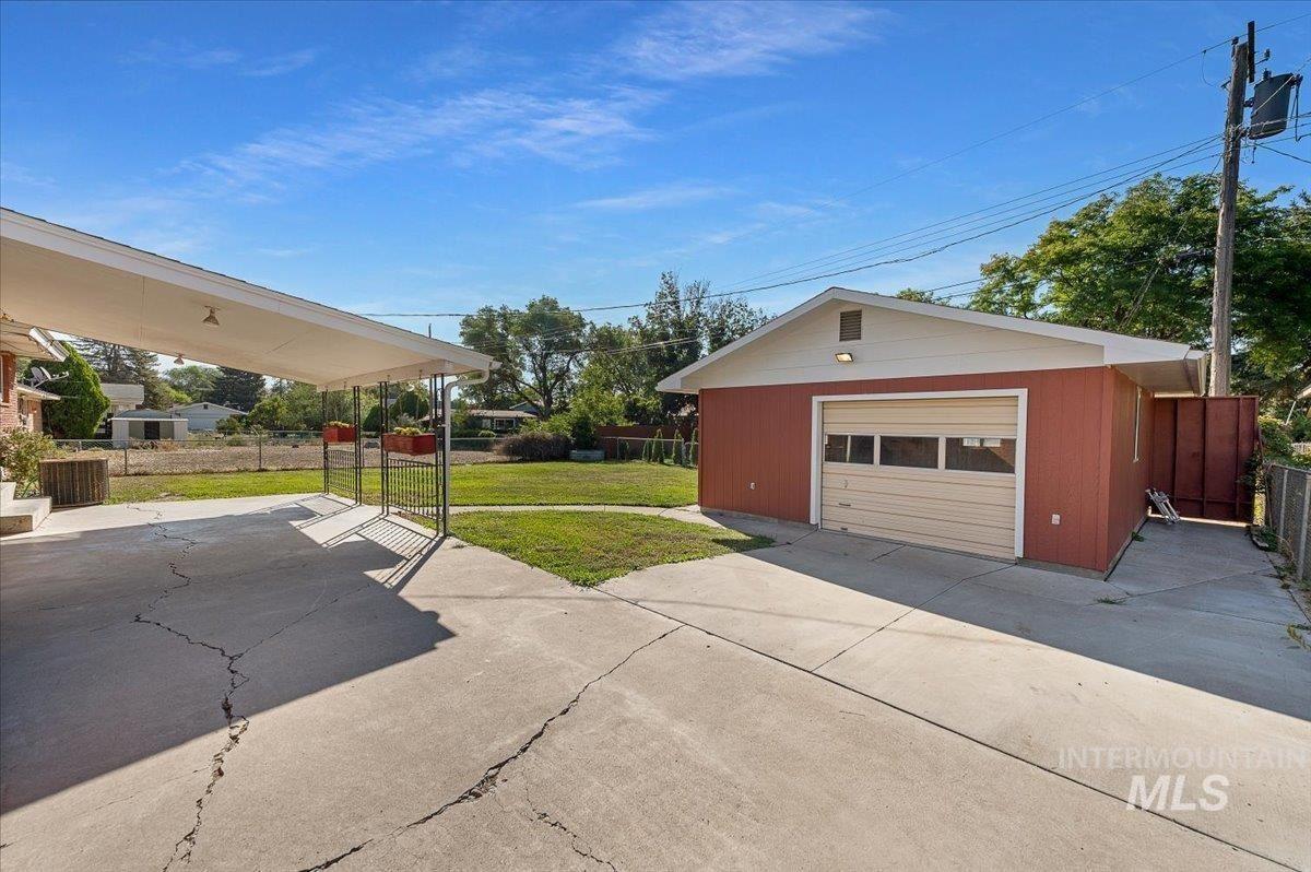 Photo of 845 E 16th N, Mountain Home, ID 83647 (MLS # 98819357)
