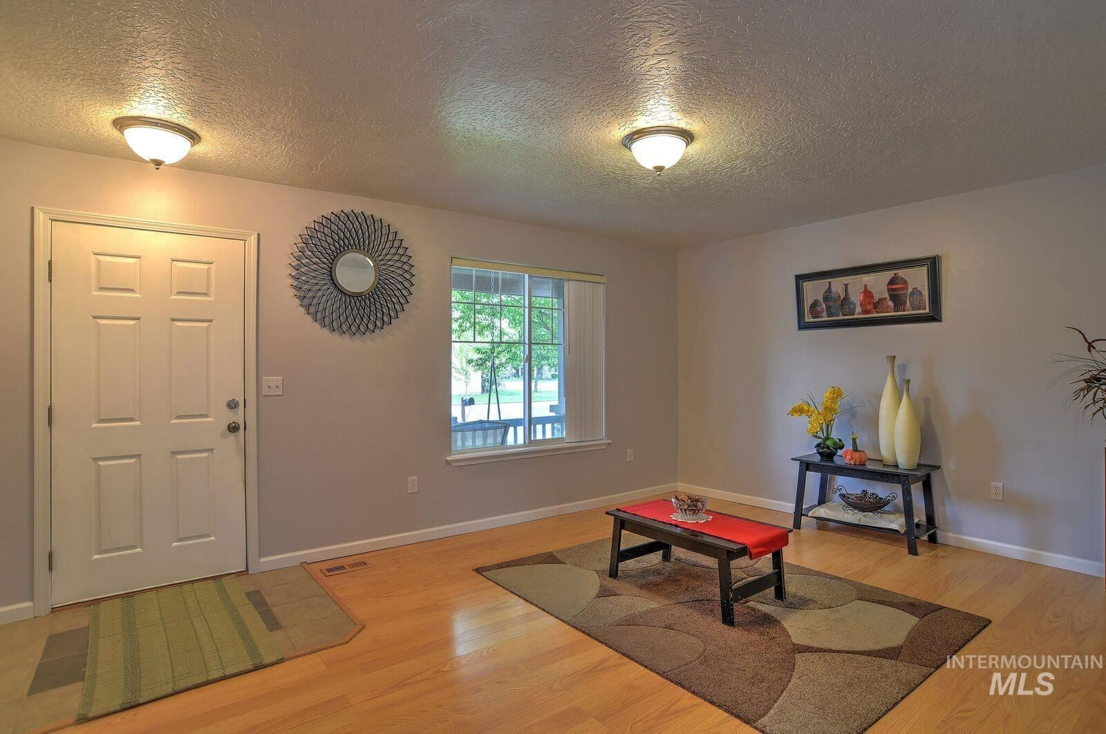 Photo of 5998 S. Santa Cruz Ave, Boise, ID 83709 (MLS # 98819358)