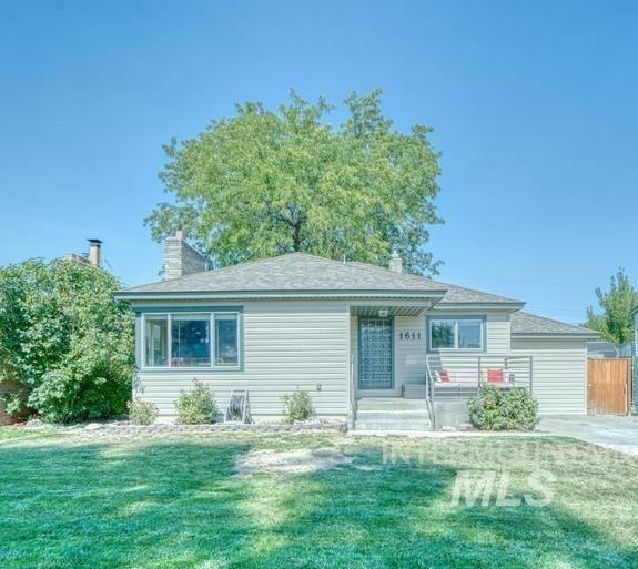 Photo of 1611 Kimes Avenue, Twin Falls, ID 83301 (MLS # 98819362)