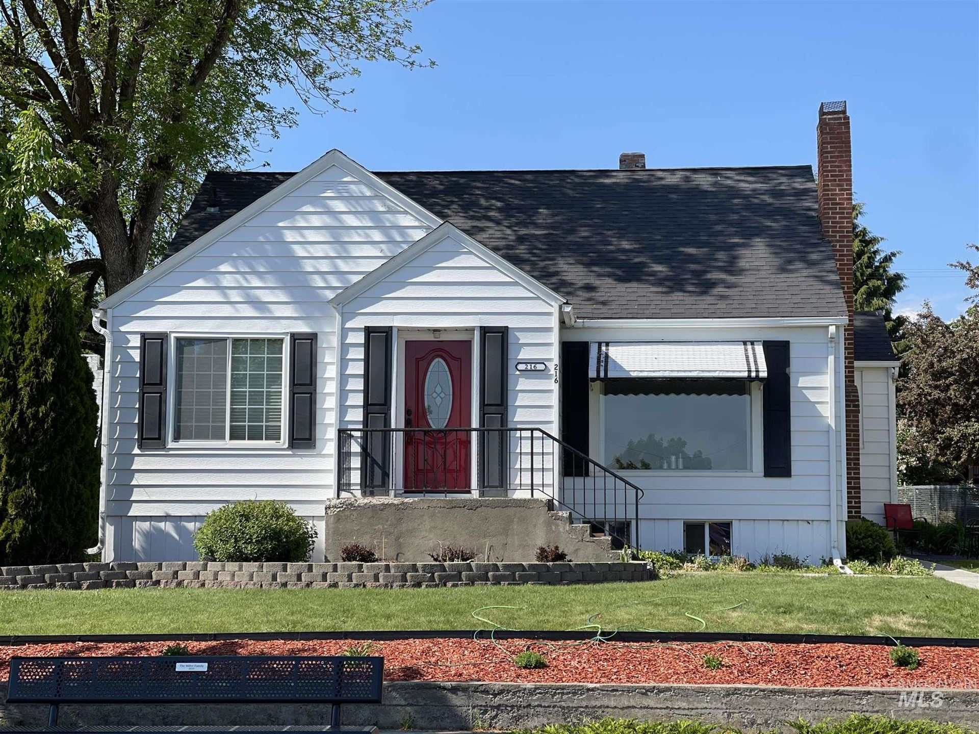 Photo of 216 W MAIN STREET, Craigmont, ID 83523 (MLS # 98806363)