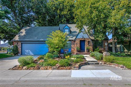 Photo of 3907 N. Oak Park Place, Boise, ID 83703 (MLS # 98781365)
