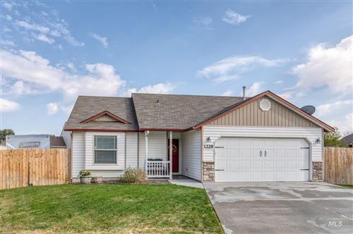 Photo of 1229 W Aberdeen Ave, Nampa, ID 83686 (MLS # 98821371)