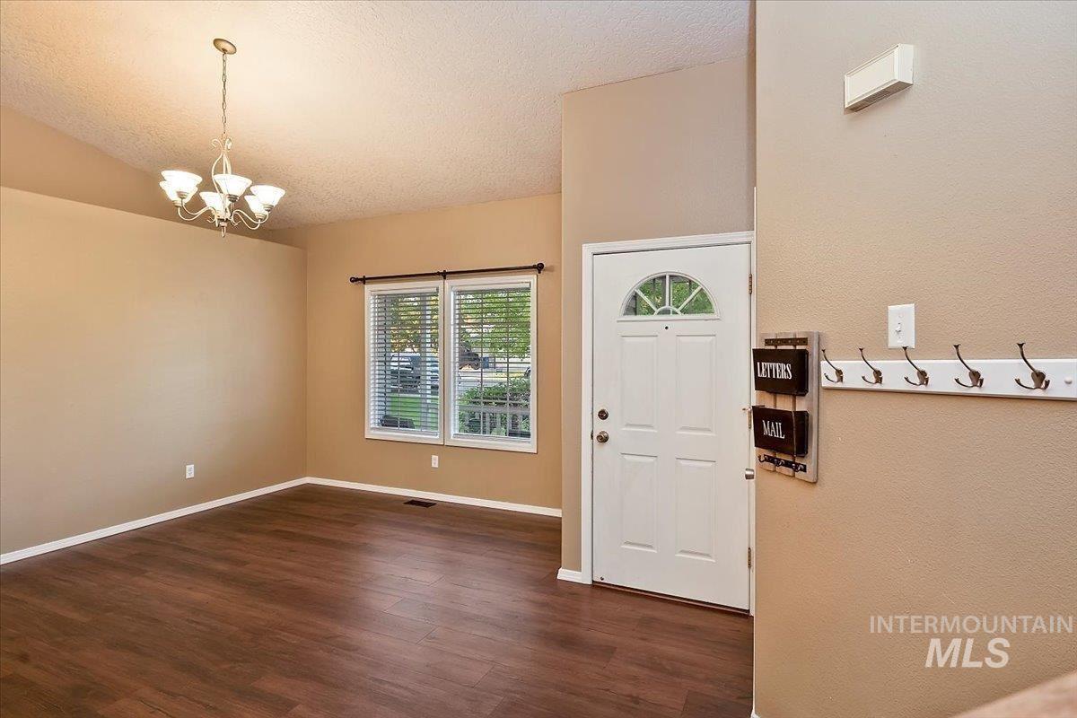 Photo of 685 Laurel, Mountain Home, ID 83647-4305 (MLS # 98819371)