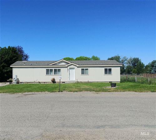 Photo of 305 N Grape St., Shoshone, ID 83352 (MLS # 98771373)