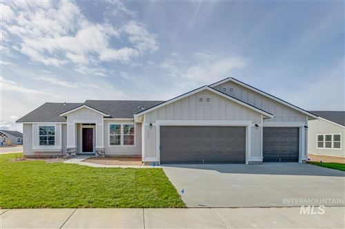 Photo of 843 SW Levant Way, Mountain Home, ID 83647 (MLS # 98762375)