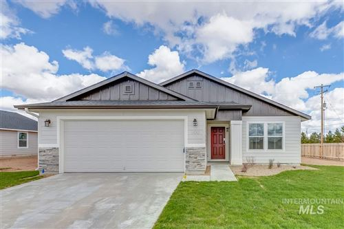 Photo of 800 SW Lago Dr, Mountain Home, ID 83647 (MLS # 98762376)