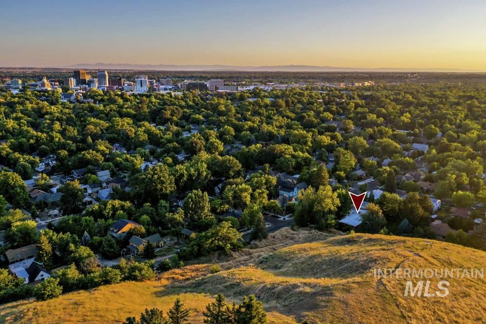 Photo of 602 W Alturas St, Boise, ID 83702 (MLS # 98776405)