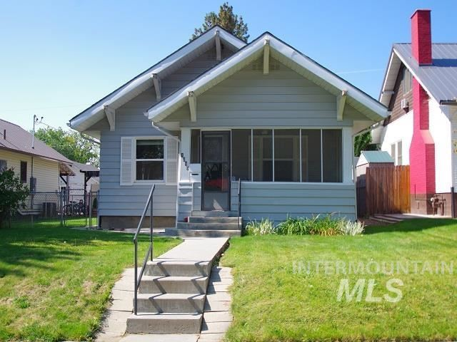 Photo of 1015 W First Street, Weiser, ID 83672 (MLS # 98819413)