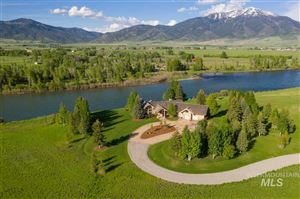 Photo of 567 Snake River Rd, Swan Valley, ID 83449 (MLS # 98733422)