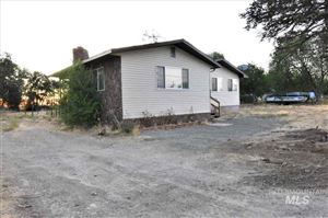 Photo of 5359 NW Tennant Ave, Mountain Home, ID 83647 (MLS # 98741422)