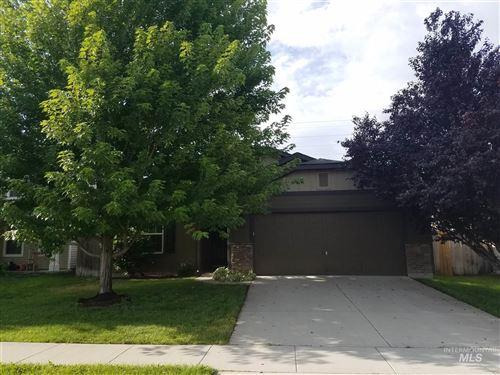 Photo of 505 W Ramsbrook St, Meridian, ID 83646 (MLS # 98775428)