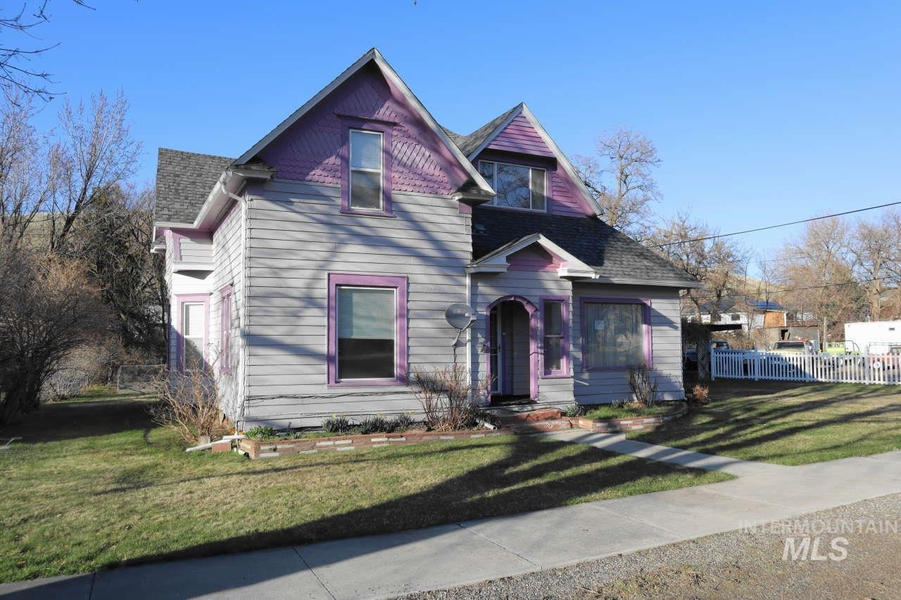 Photo of 1387 Pataha Street, Pomeroy, WA 99347 (MLS # 98796431)