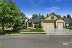 Photo of 824 W Heather Woods Dr, Nampa, ID 83686 (MLS # 98741432)
